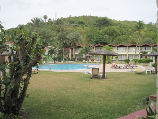 Halcyon Cove by Rex Resorts: Pool area