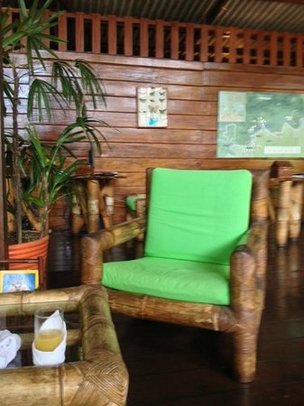 Inkaterra Reserva Amazonica: At the reception (your last chance to get internet)
