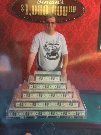 Binion's Gambling Hall : a million dollar picture for free