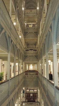 The Taj Mahal Palace: Corridor