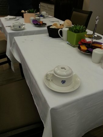 President Hotel: Freshly laid table- the stain was covered with a plate