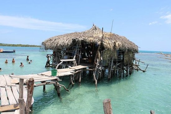 Dudley's Big Ship Taxi and Tours : Floyd's Pelican Bar, South Coast of Jamaica