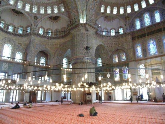 Mosquée Bleue (Sultan Ahmet Camii) : Átrio Principal