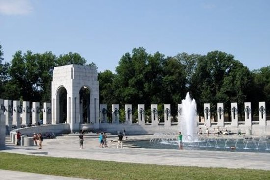 National World War II Memorial: fontaine 1