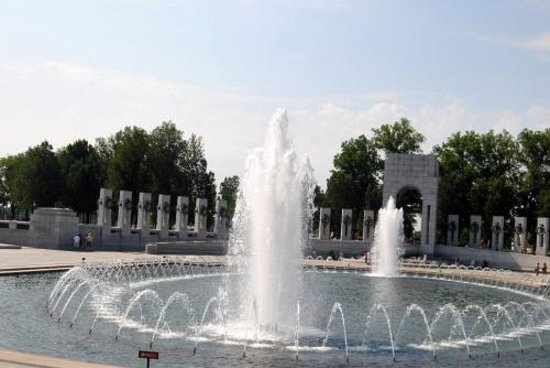 National World War II Memorial: fontaine 2