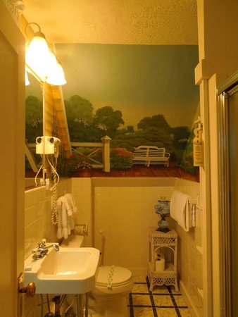 Greenleaf Inn at Boothbay Harbor: Bathroom