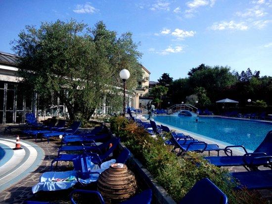 Petrarca Hotel Terme: теплый термальный бассейн