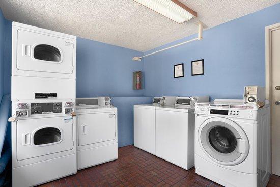 Kings Inn Anaheim: Guest Laundry