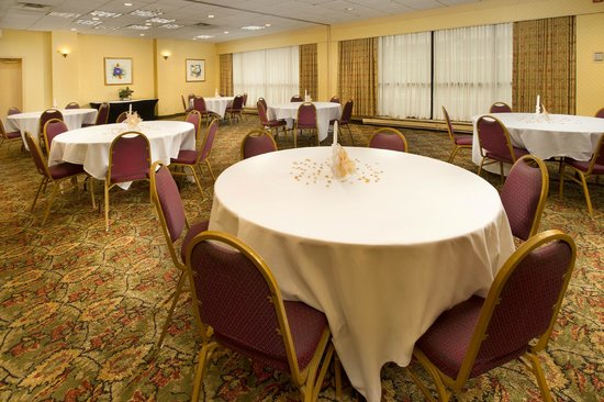 Quality Inn Windsor Mill / Baltimore West: Banquet Function Room