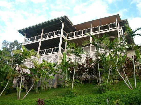 Marjorie's Kauai Inn: view from the pool