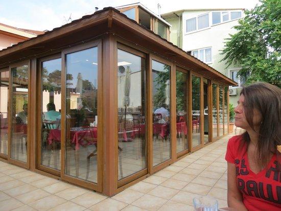 Zeynep Sultan Hotel: terrazza della colazione