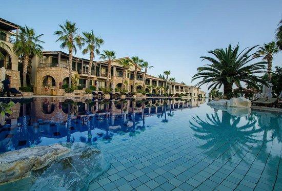 Columbia Beach Resort Ouri Suites Pool