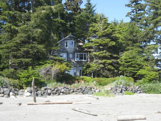 BriMar Bed and Breakfast: House viewed from the beach