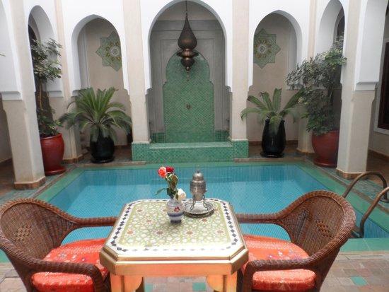 Riad Hikaya: Pool area