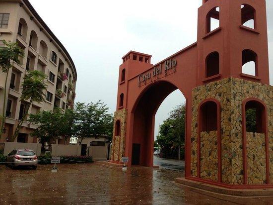 Casa del Rio Melaka : Grand arch at the main entrance