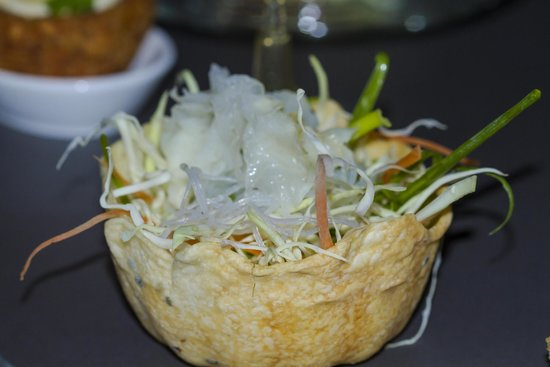 Twisted Thai : Po pia Open Filo bowl with raw vegetables salad and plum dressing