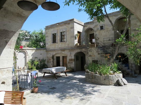 Travellers' Cave Pension : cortile interno