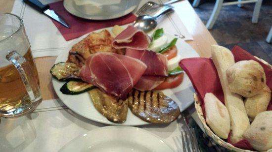 Il Pizzaiolo : Antipasto italiano DOC!