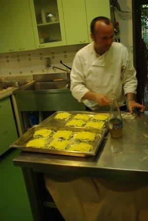 Casolare di Libbiano : Michelin chef at work