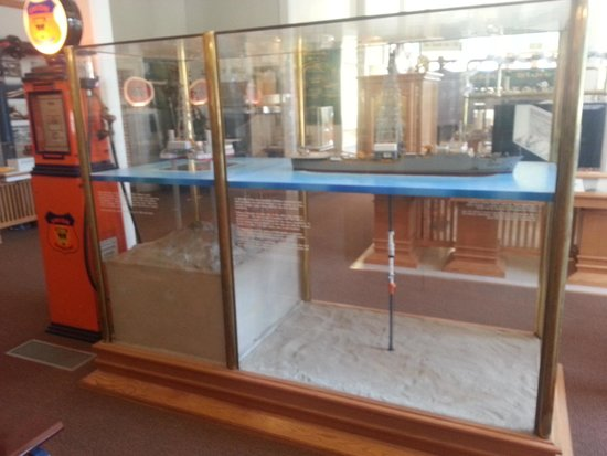California Oil Museum: they drill from ships?