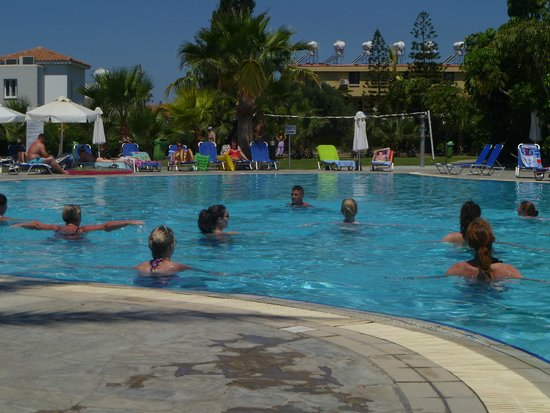 Avanti Holiday Village: pool activities