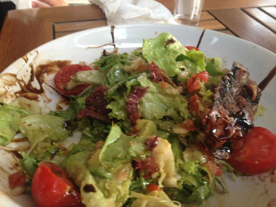 Molly Malone's: Tasty Salad