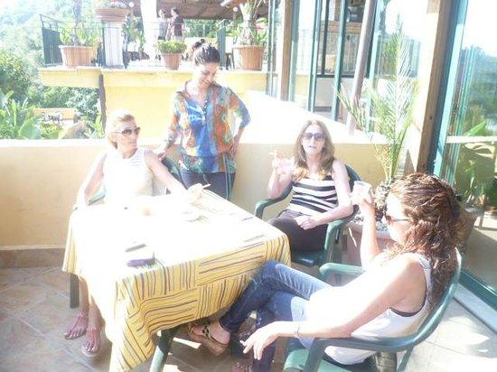 Hotel Baia delle Sirene: Enjoying the view