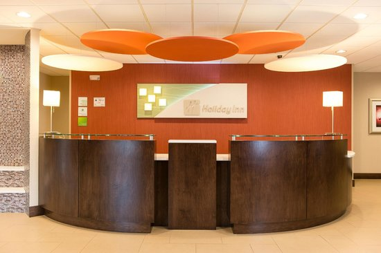 Holiday Inn Wilmington: Front Desk