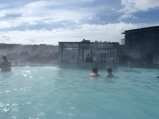 Blue Lagoon Iceland : lagoon bar