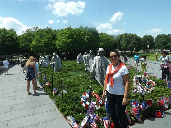 Korean War Veterans Memorial : Avanço da tropa