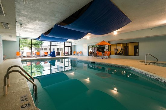Holiday Inn Wilmington: Indoor Pool