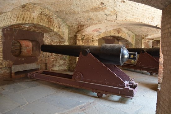 Fort Sumter National Monument: Cannon in Fort Sumter