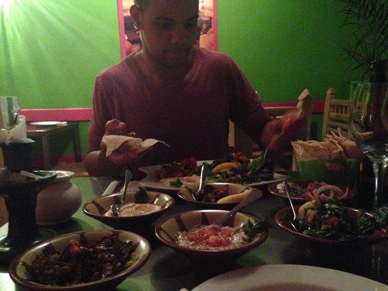 La Cuisine de Mona: 10 Dish Meze - YUM
