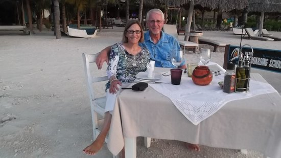 Mandarina Restaurant & Beach club by Casa Las Tortugas: Romantic Dinner on the Beach
