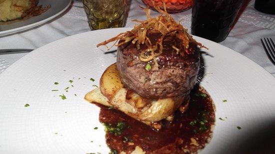 Mandarina Restaurant & Beach club by Casa Las Tortugas: Steak dinner!