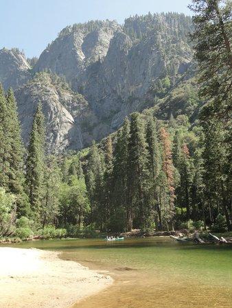Housekeeping Camp : Mountains