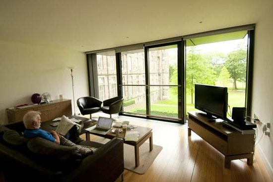 Scotia Grand Residence - Quartermile Apartments: Living room at Thistle Residence