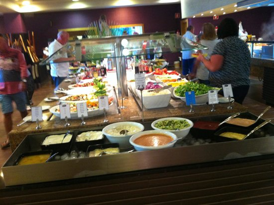 Hotel Elba Carlota : Salad and dips counter