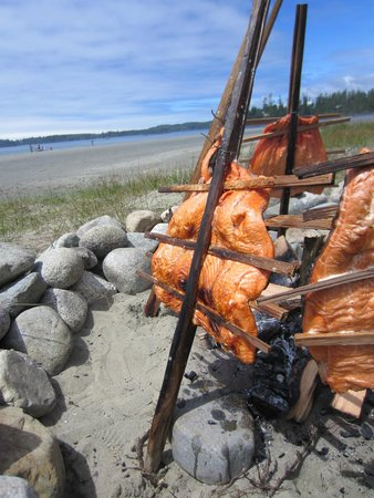 Best Western Tin Wis Resort : Salmon bake for National Aboriginal Day