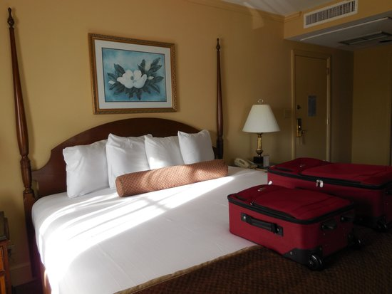 Hotel St. Marie: King Size bed