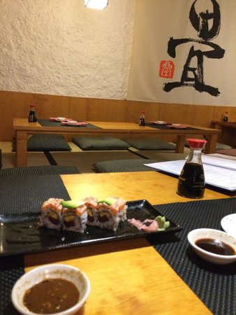 The Tatami Room: I came here with a japanese friend!!Thank to Chinami, I tried the best sushi ever in Barcelona!!