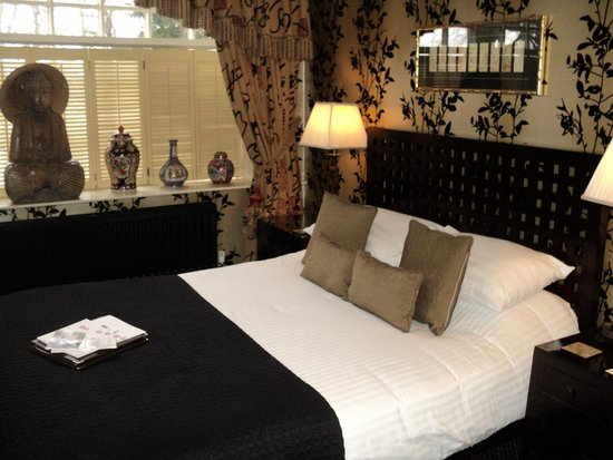 Crab Manor Hotel: Raffles suite