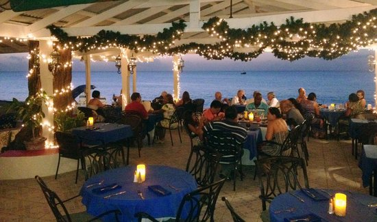 Sand Castle on the Beach: Our Beach Side Cafe dining room overlooking the water