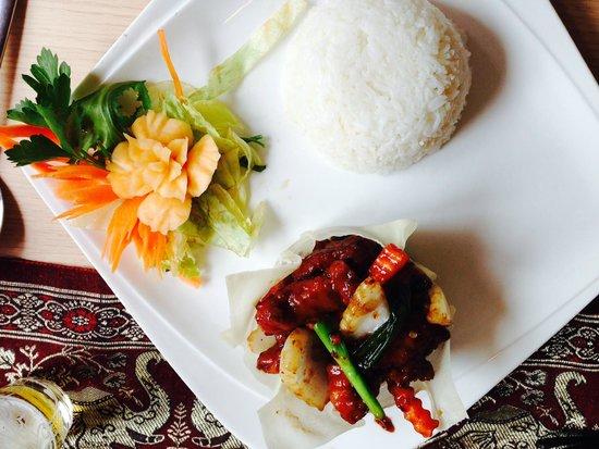 U-Thai Restaurant and Bar: Lovely Plate Decoration...