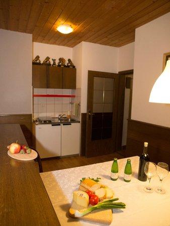 Kunstelj: Apartment with kitchenette