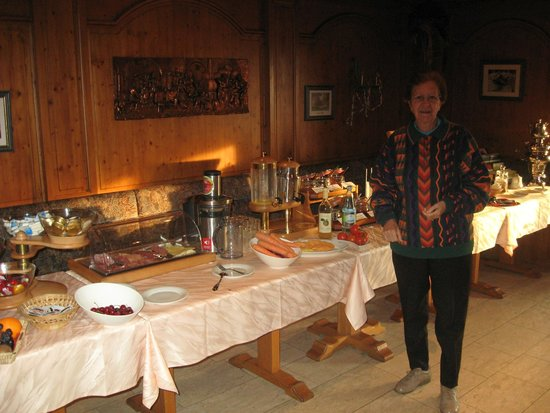 Hotel Odenwaldblick: Breakfast