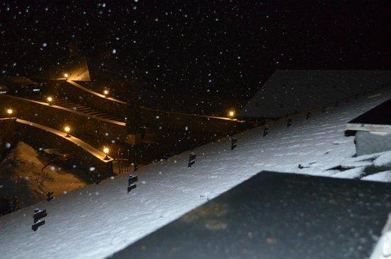 Hotel Os de Civis: Exterior noche