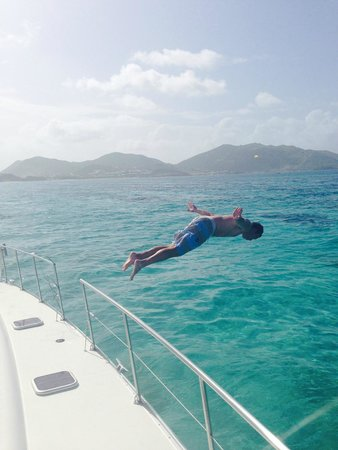 Private Yacht Charter SXM - Day Trips : Hubbs diving in