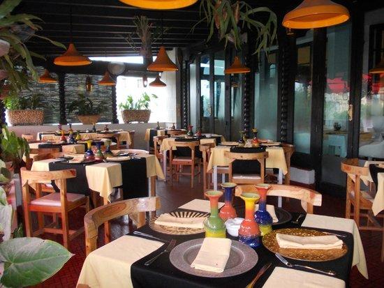Centro Asturiano de La Habana : la terraza