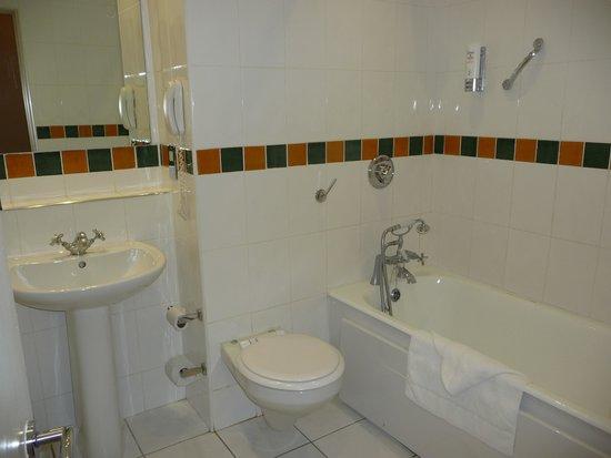 The Connacht Hotel: Banheiro